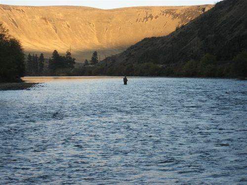 Dusk on the Yakima River
